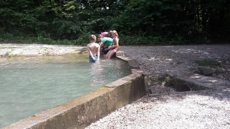 plavanje v bazenu