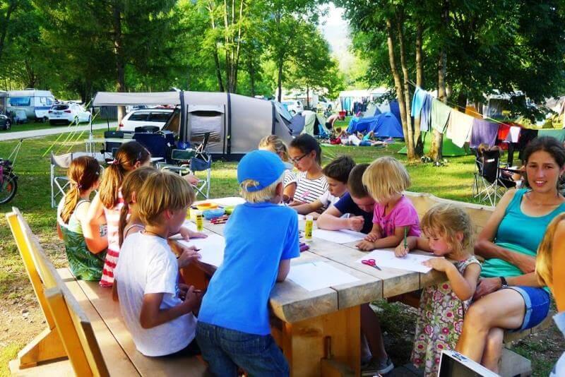 Otroške delavnice in poslikava v kampu Danica Bohinj