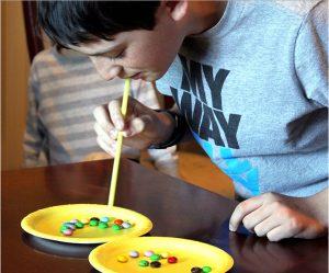 m&m igra z bonboni