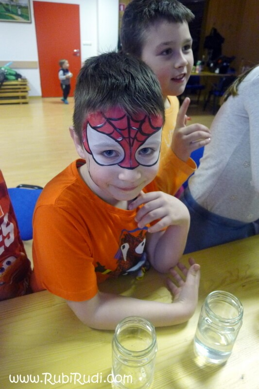 poslikava obraza spiderman