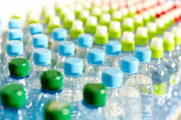 voda v plastenkah