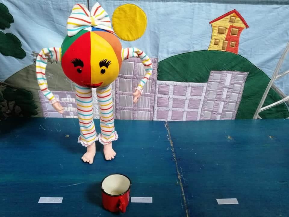 Otroška lutkovna predstava Žogica nogica in obisk Božička, petek, 14.12. ob 17h